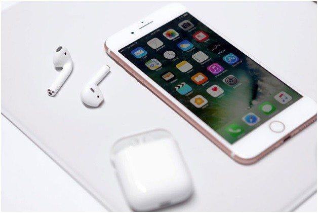 apple, iphone, apple iphone, earpods, apple earpods, XNSPY One app